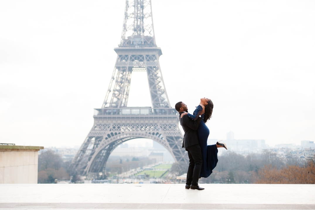 paris photographer eiffel tour