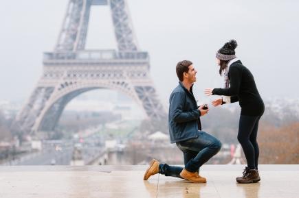 fotos de pedido de casamento surpresa em paris